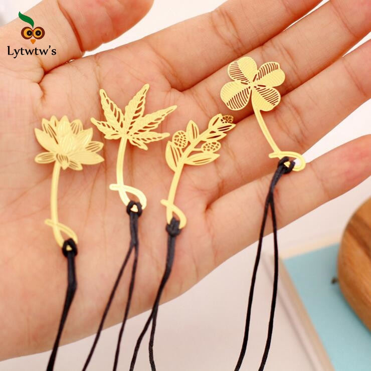 Creative Metal Bookmark Mark Page teacher Children Student Gift Stationery School Office Supplies Clover Lotus flower Maple leaf