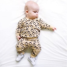 Herfst Baby Boy Penguin Kleding Sets Khaki Lange Mouwen Baby Boy Meisje Kleding t-shirt + Broek Baby Outfits 2 STUKS Pak