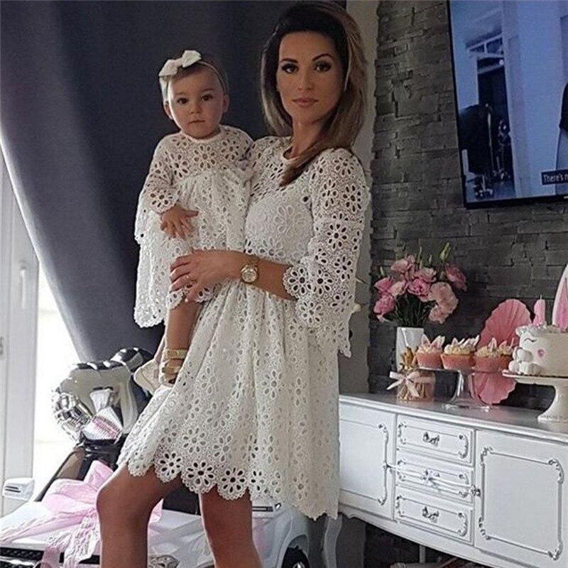 Sommer Kleid 2019 Familie Passenden Kleidung Frauen Kinder Mädchen Floral Hochzeit Party Kleid Mutter Tochter Passenden Kleid Aushöhlen