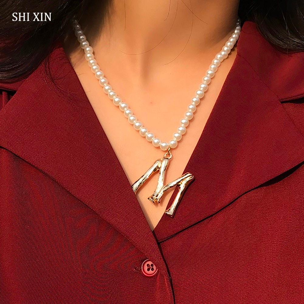 SHIXIN moda amuletos de lujo letra M Prarls cadena larga colgante gargantilla collares mujeres elegante señora moda joyería regalos femeninos
