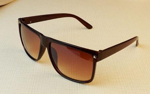 Envío Gratis moda vintage grande negro moda remache caja gafas de sol moda cuadrado gafas de sol miopía