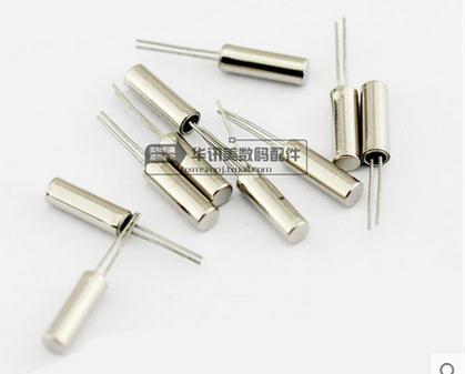 100PCS DIP passive crystal Cylindrical crystal 3*8 32.768KHZ 32.768K +5ppm new original