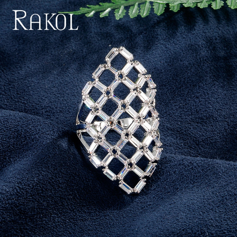 Anillos de dedo de lujo RAKOL pavimentados AAA + CZ Zircon delicado Color blanco oro moda cristal anillo de boda joyería para mujeres