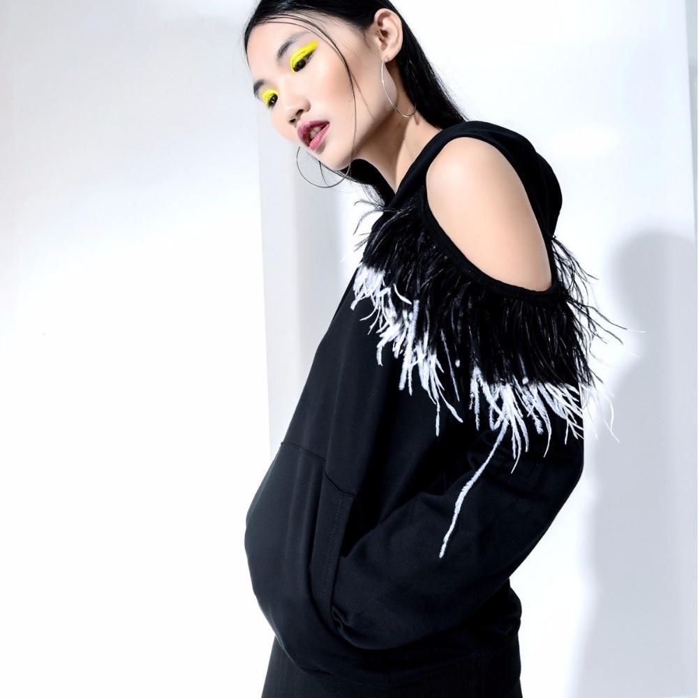 Único asimétrico pluma decorada recorte hombro con capucha Top mujeres Sexy Irregular Hoodies