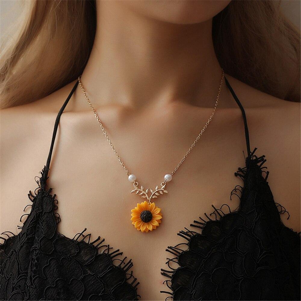 Delicado collar de Gargantilla con colgante de girasol para mujer, joyería de perlas de imitación creativa, collar, accesorios para ropa