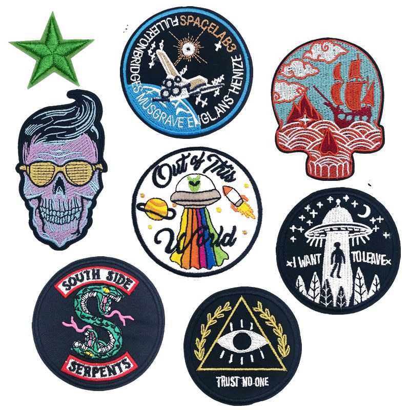New Black Snake Skull Embroidered Patches Iron on Aliens Badges Punk Style for Clothes Round Appliques DIY Coat Bags Parches