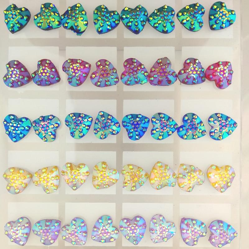الجملة 36 Pairs 11 مللي متر شكل قلب التسلق الراتنج كريستال أقراط مرصعة مختلط اللون