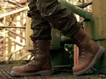 남자 신발 2020 겨울 부츠 야외 사막 신발 오토바이 부츠 복고풍 디자인 패션 중반 송아지 부팅 39-44 플러스 크기