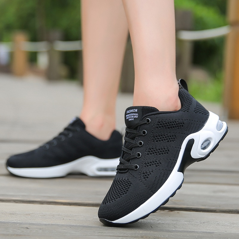 2018 New High quality Sneakers women shoes Running shoes woman leather Sport Shoes damping Outdoor arena Athletic zapatos mujer