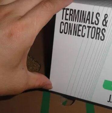 em estoque 08cpt b 2a tomada cabecalho cravar conectores habitacao 100 parte novo e original