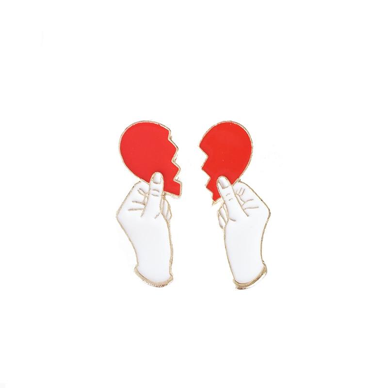 2 Pcs/Set Hand-Broken Heart Metal Enamel Brooch Personality Hobby Friend Badge Pin Charm Trendy Costume Jewelry Accessories Gift
