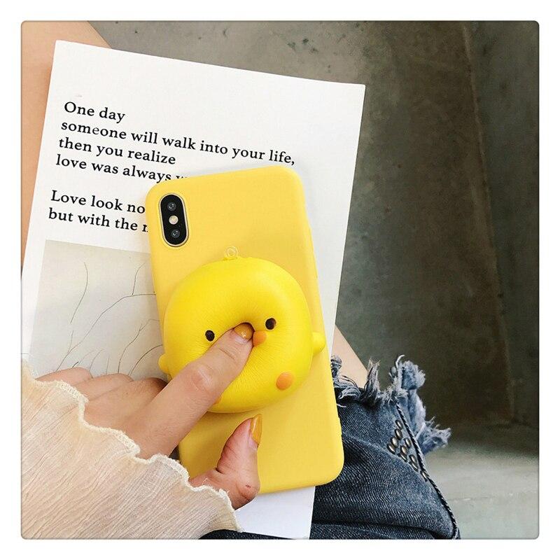 Adorável 3d amarelo pato caso de telefone para iphone 6s 7 8 plus x xs max xr 7 mais amassar reduzir o estresse brinquedo macio silicone volta capa