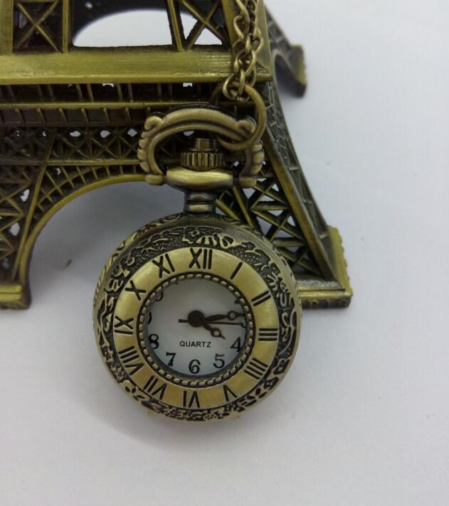 Reloj de bolsillo de cuarzo con doble pantalla elegante para mujer con números romanos clásicos