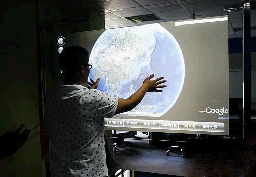 فيلم فويل تفاعلي متعدد اللمس مقاس 50 بوصة ، شاشة لمس مزدوجة ، لعروض المتجر والكشك الذي يعمل باللمس