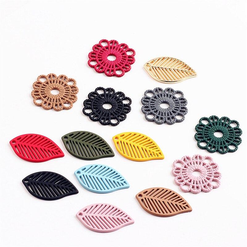 Venta al por mayor, 60 unids/lote, colgantes de hojas de aleación con esmalte de goma, accesorios de adorno para joyería DIY, abalorios para pulseras artesanales