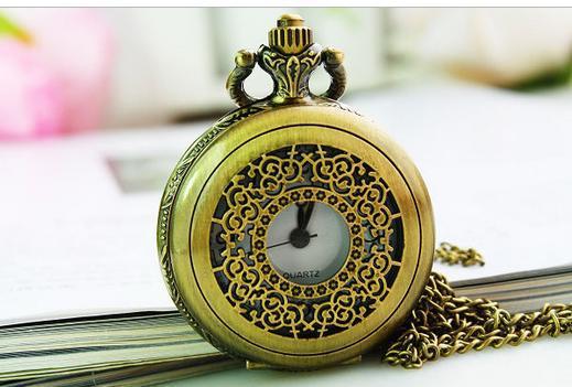 Venda quente Clássico da moda Vintage bronze escavar relógio de Bolso colar atacado barato 10 pçs/lote frete grátis