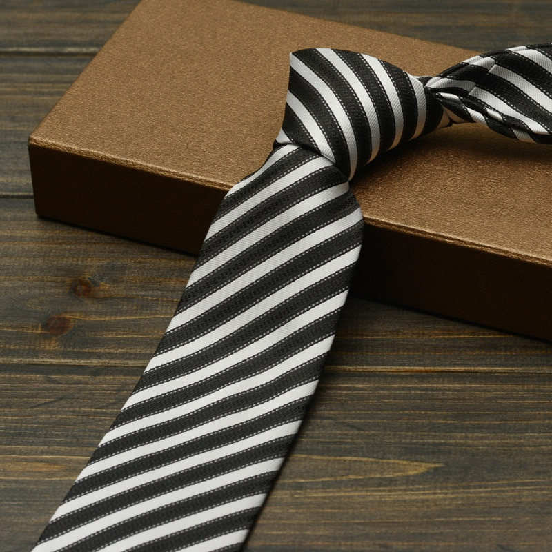 High Quality Black and White Strped Ties for Men 7cm Designer Fashion Brand Necktie Profession Interview Suit Mens Formal Tie