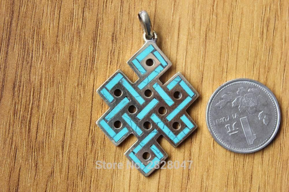PN178 amuletos tibetanos de nudos sinfín, colgantes de piedra semipreciosa de latón de Nepal, colgante de amuletos tibetanos al por mayor