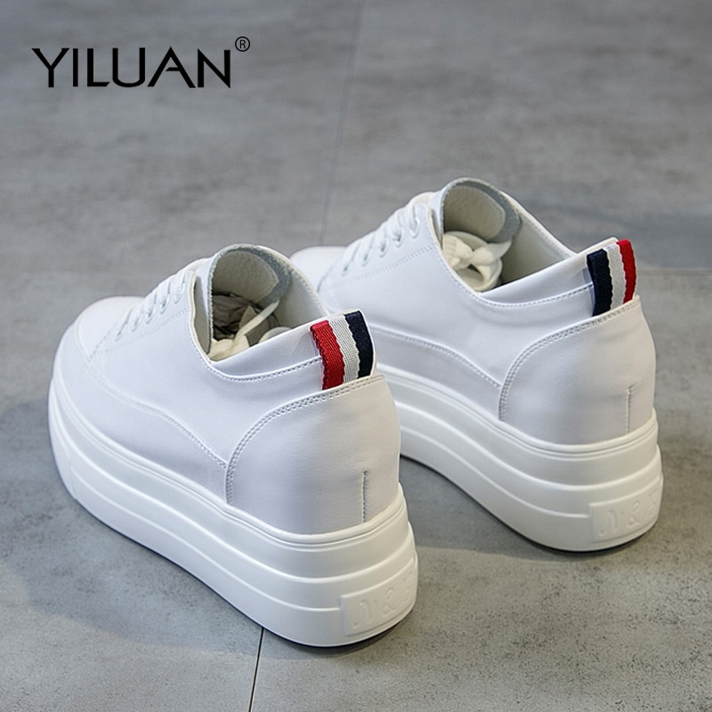 Yiluan-حذاء رياضي نسائي ، جلد طبيعي ، أبيض ، منصة ، موضة ربيع وخريف 2019 ، أسود ، كاجوال