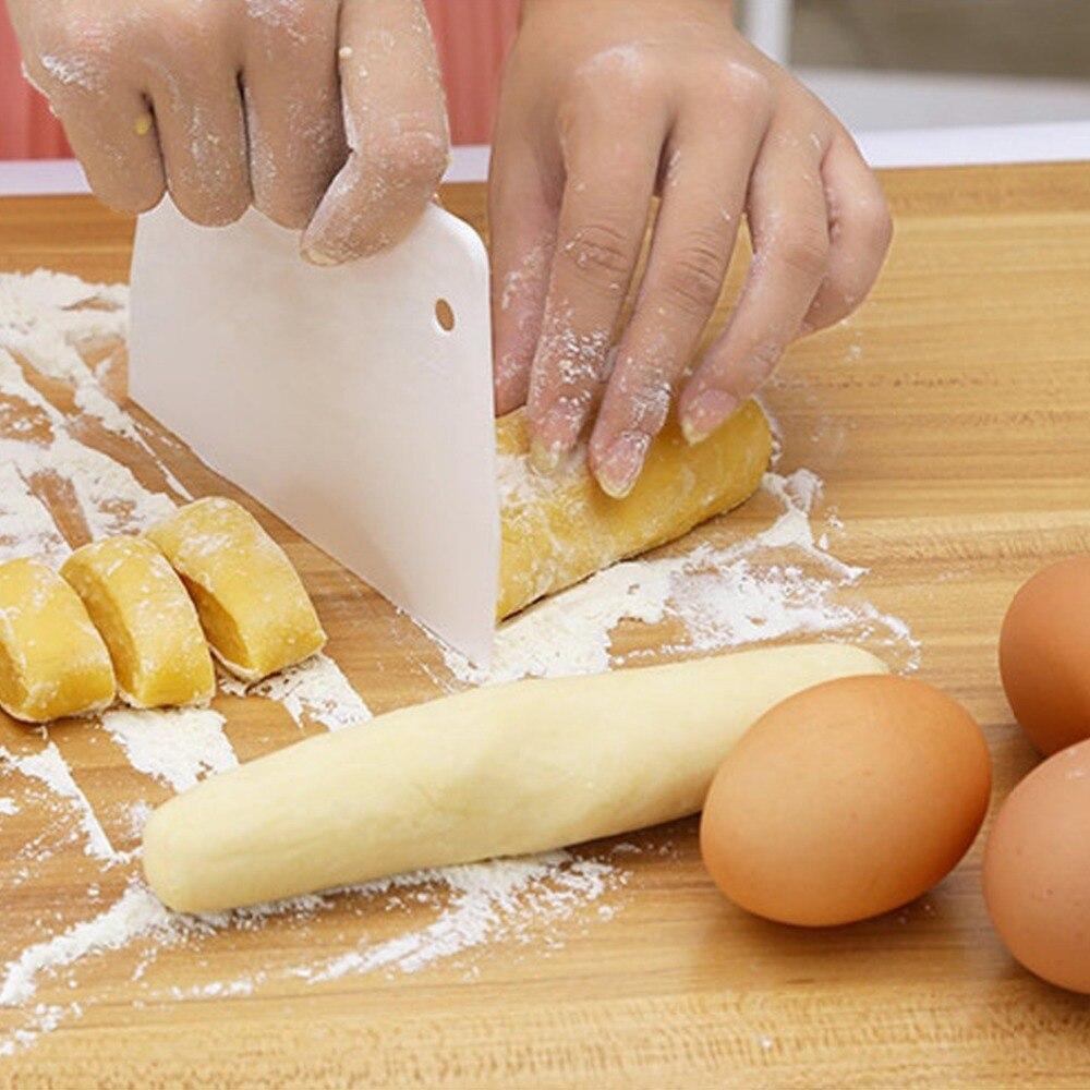 1PC Kitchen Cutter Cake Spatulas Pastry Spatulas Butter Scraper Trapezoidal Scraper Cake Tools Plastic Dough Scraper OK 0953