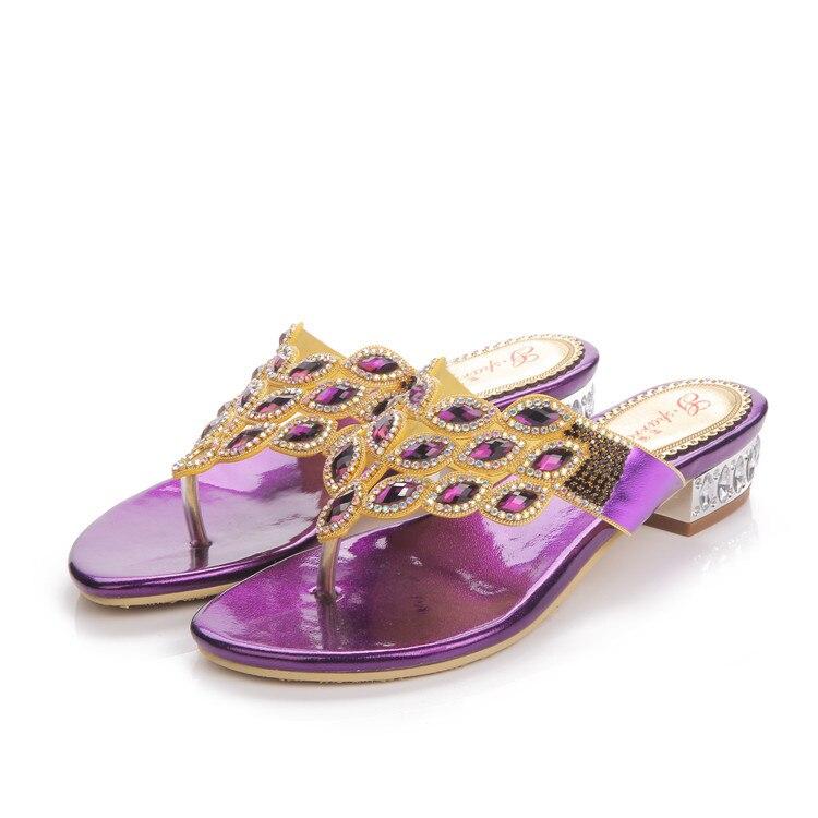 ¡Novedad de 2018! zapatillas planas de verano de color morado para ocio de tallas grandes para mujer, chanclas de diamantes en línea