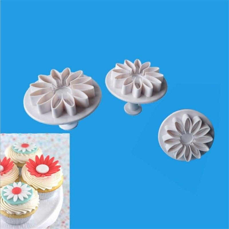 3Pcs/Set Daisy Flower Cookie Mold Sunflower Plunger Cutter Sugarcraft Fondant Cake Tool Christmas Cake Decorating Tools