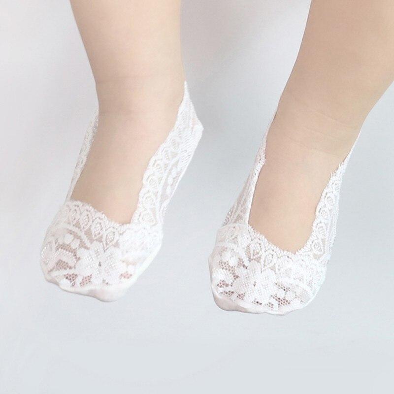 Encantadores calcetines de encaje para niñas recién nacidas, calcetines blandos invisibles de encaje transpirables sólidos para bebés pequeños, calcetines en 5 colores