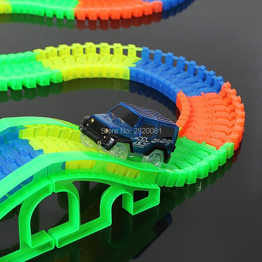Pista de carreras DIY brillante doblado flexible con luz led COCHE electrónico, montaña rusa 80/120 Uds bloques parte de juguetes de carga a granel