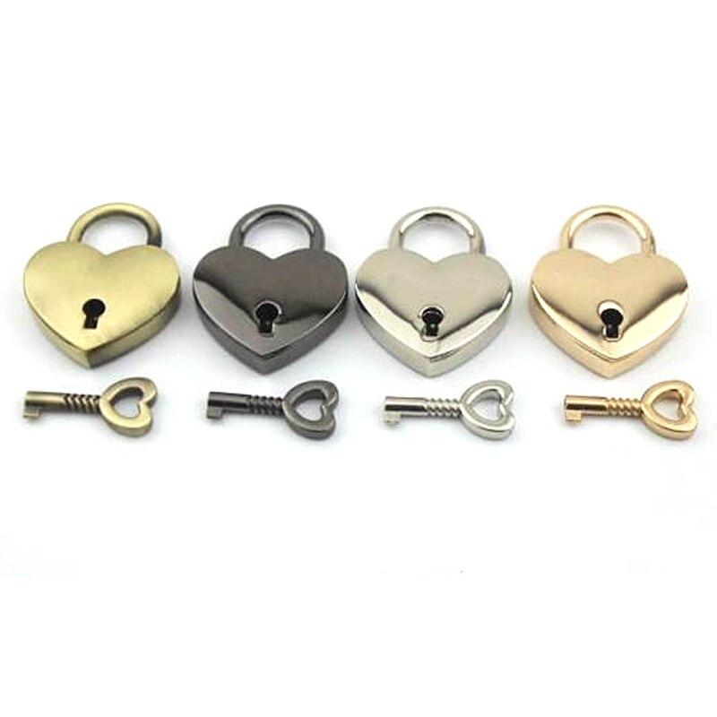 Candado dorado plateado bronce y llave colgante de corazón bolso de Mujer Accesorios para bolsos candados en forma de 38mm x 30mm