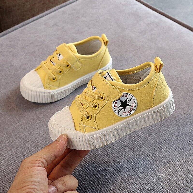 Zapatillas de suela suave de moda Zapatos de primavera y otoño zapatos de placa coreanos para niños zapatos casuales de lona para niñas pequeñas A946