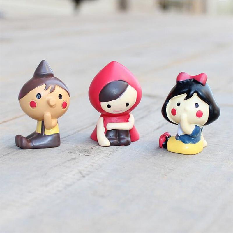 Siedzenia czerwony kapelusz z materiału dziewczyna miniaturowe figurki chłopiec dekoracje ślubne Mini bajki ogród statua rzemiosło żywicy ozdoby
