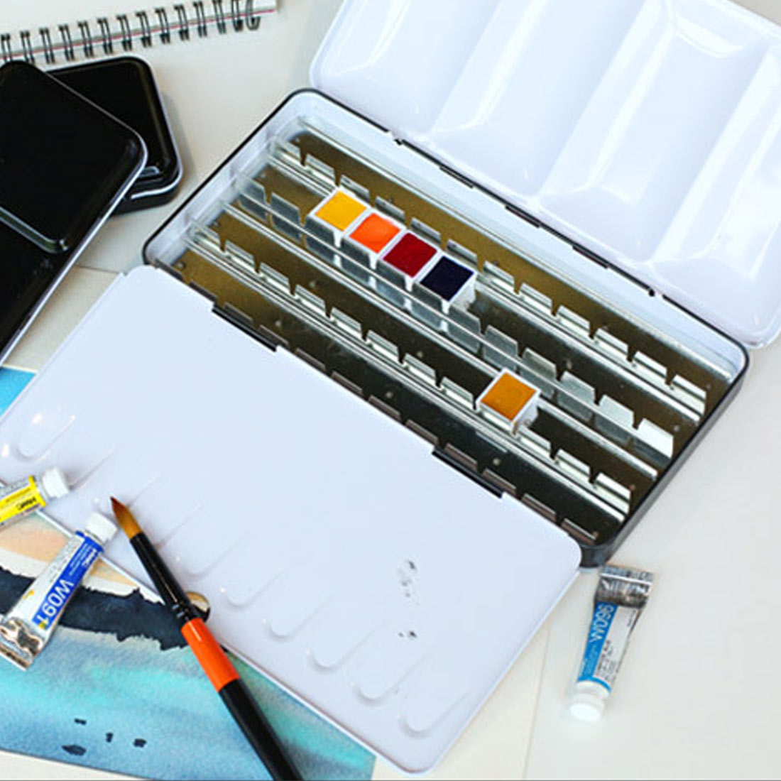 Empty watercolor jar palette paint box metal solid watercolor paint empty box 12/24/48 grid watercolor empty tin box