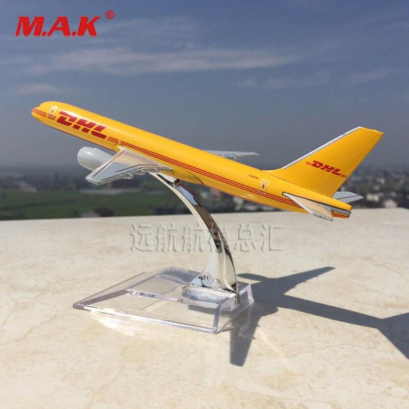 1/400 escala diecast aviões modelo brinquedos amarelo dhl express entrega aeronaves boeing 757-200 b757 com base de demonstração moel