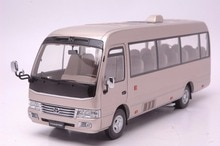 124 modèle moulé sous pression pour Toyota caboteur or Bus alliage jouet voiture Miniature Collection cadeaux