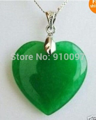 >>Green Jade Heart Shape Silver emerald Pendant /necklace