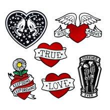 Broches en émail pour femmes, cœur rouge, amour véritable, avec cœur rouge et blanc, accessoires de bijouterie à la mode