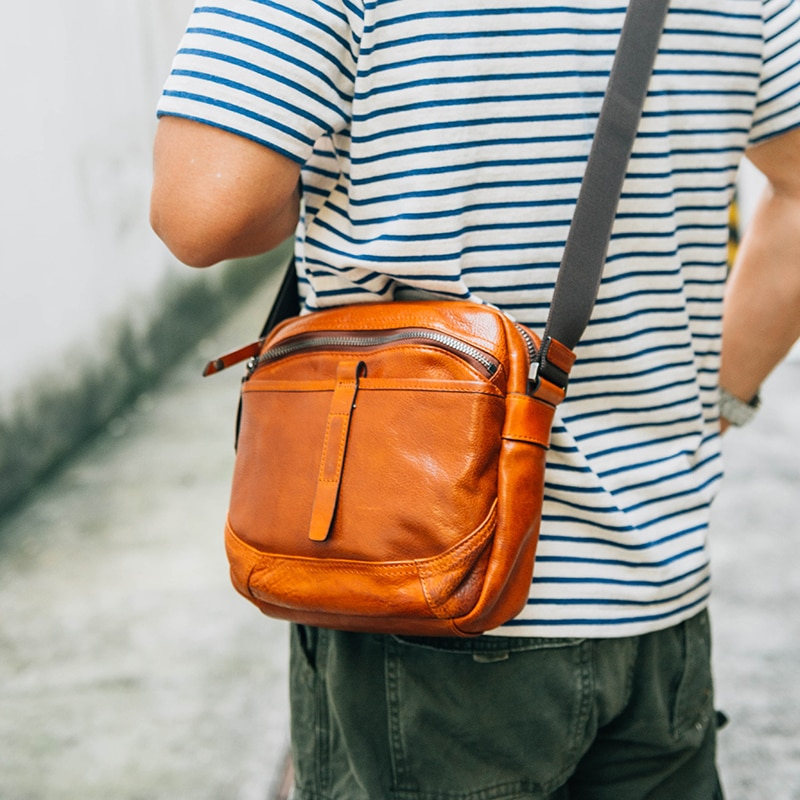 AETOO Men's leather crossbody bag Large capacity retro casual single shoulder bag male leather shoulder