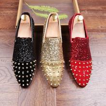 Paillettes chaussures de sport haut de gamme Surface brillante Rivets daim bout pointu chaussures habillées en cuir pour hommes chaussures de mariage de fête de mode