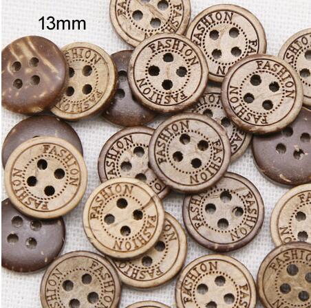 100 unids/lote tamaño 13mm moda 4 agujeros Botón de cáscara de coco natural, botones para artesanía a granel, accesorios de costura (ss-145)