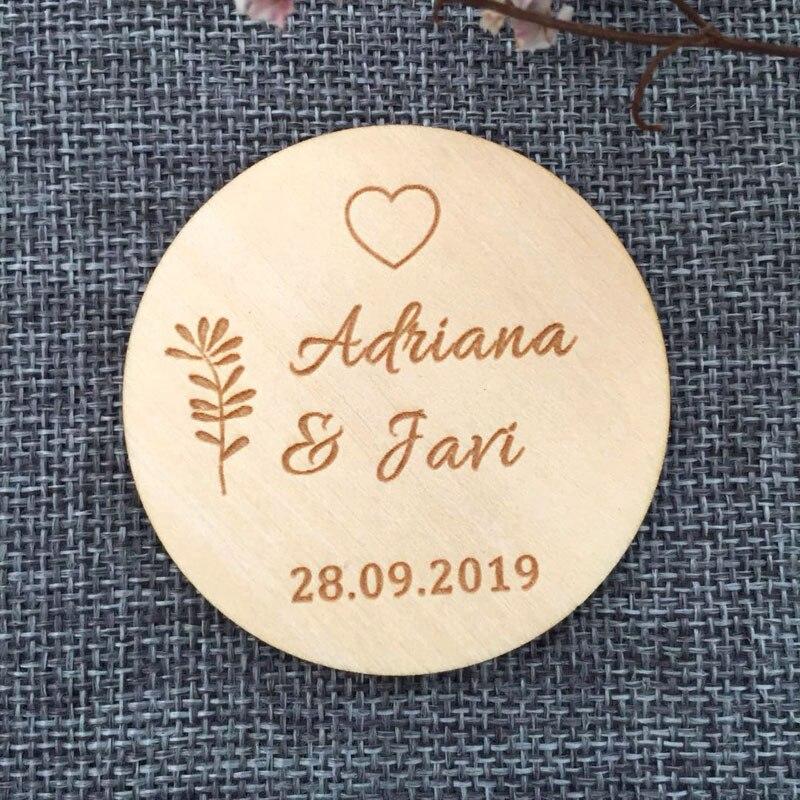 Personalizado bosque GUARDAR LA FECHA imán, favores de la boda, imán de madera, regalo de aniversario rústico, anuncio de boda