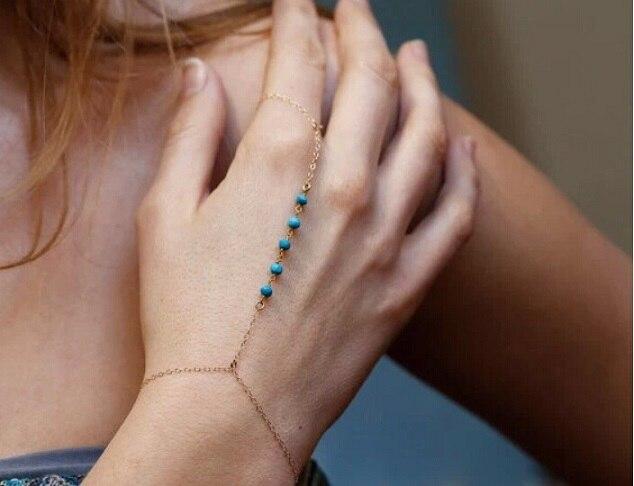 ¡Producto en oferta! Brazalete de múltiples cadenas con borlas de Color dorado para mujer, dedo esclava arnés de cadena de mano, brazalete de hilo marino, joyería Bohemia