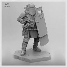 1/35 (50-60mm) soldat de résine de Force dassaut de bouclier lourd davant-garde T35002