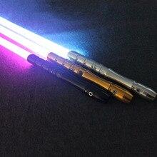 Nuevos juguetes luminosos sable de luz con sonido de luz Jedi Sith Luke sable de luz fuerza pesada Dueling Color que cambia de sonido FOC bloqueo