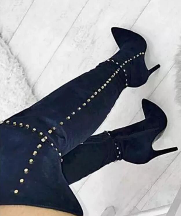 Botas por encima de la rodilla de cuero de ante azul de moda botas de tacón alto de mujer con tachuelas doradas botas sexis con remaches de punta para motocicleta