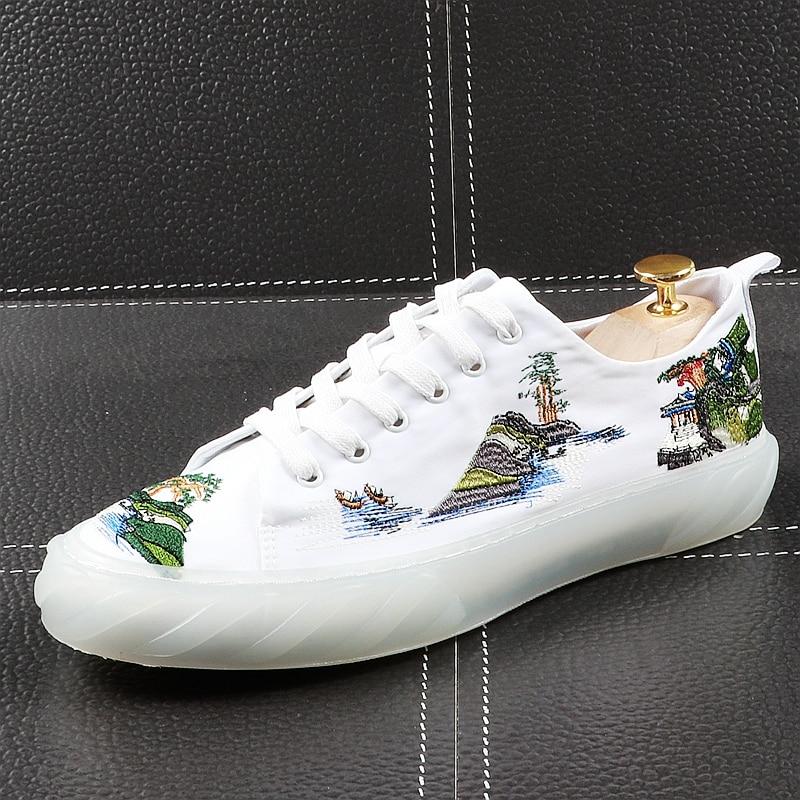 CuddlyIIPanda الرجال أحذية خفيفة أنيقة الصيف الجلود التطريز النمط الصيني أحذية رياضية الذكور تنفس الشباب تتجه الأحذية