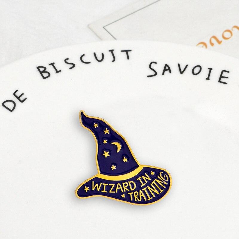 Sombrero de hechicero mágico oscuro insignias góticas broches botón básico de bruja Pins broche estilo punk joyería de moda regalo para amigo