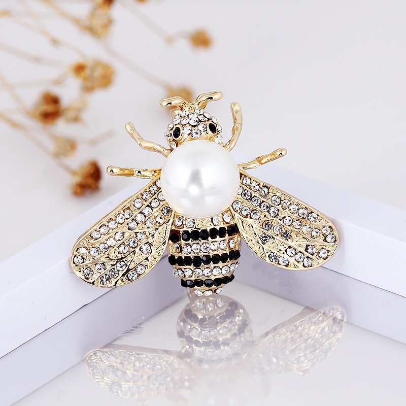 CINDY XIANG 2 Colors Choose Rhinestone Bee Brooches for Women Pearl Honeybee Pins Fashion Winter Insect Accessories Good Gift