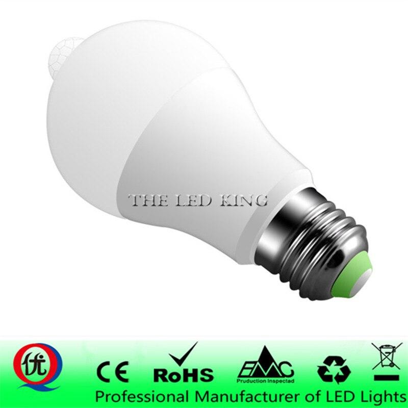 Nuevo estilo de bombilla Led con Sensor de movimiento E27 B22 12W 18W LED Bombillas PIR LED lámpara inteligente 110V 220V blanco cálido