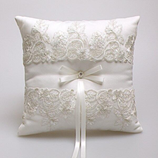 Elegante encaje de estilo occidental Rosa marfil romántico boda favores regalo almohada cojín boda decoración anillo portador soporte