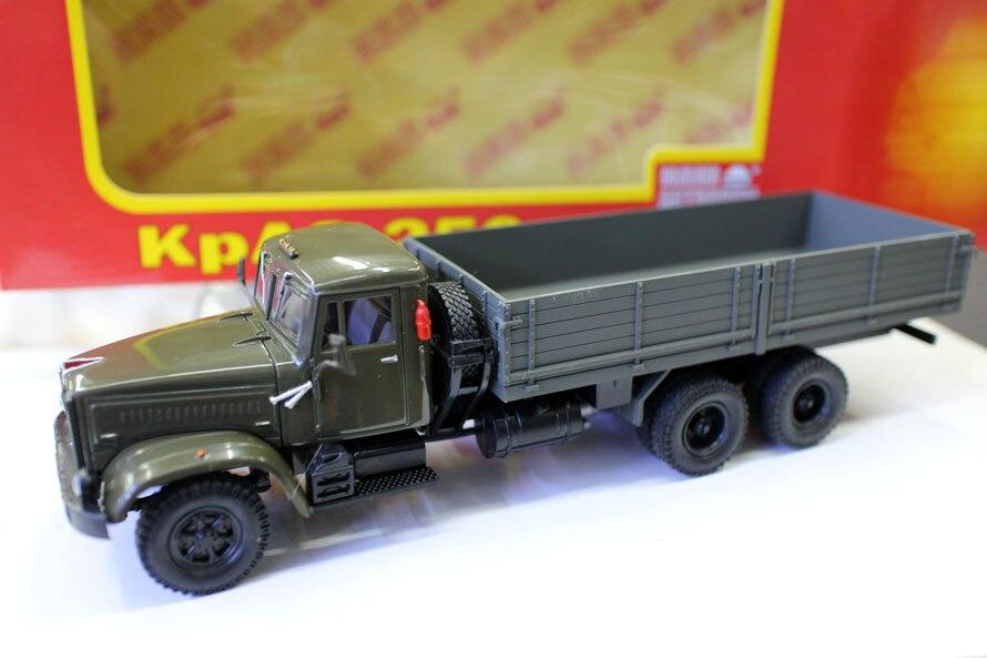 Коллекционная литейная игрушка, модель в подарок, 1:43 весы, русский KRAZ, винтажная модель грузовика, транспортер, модель для украшения